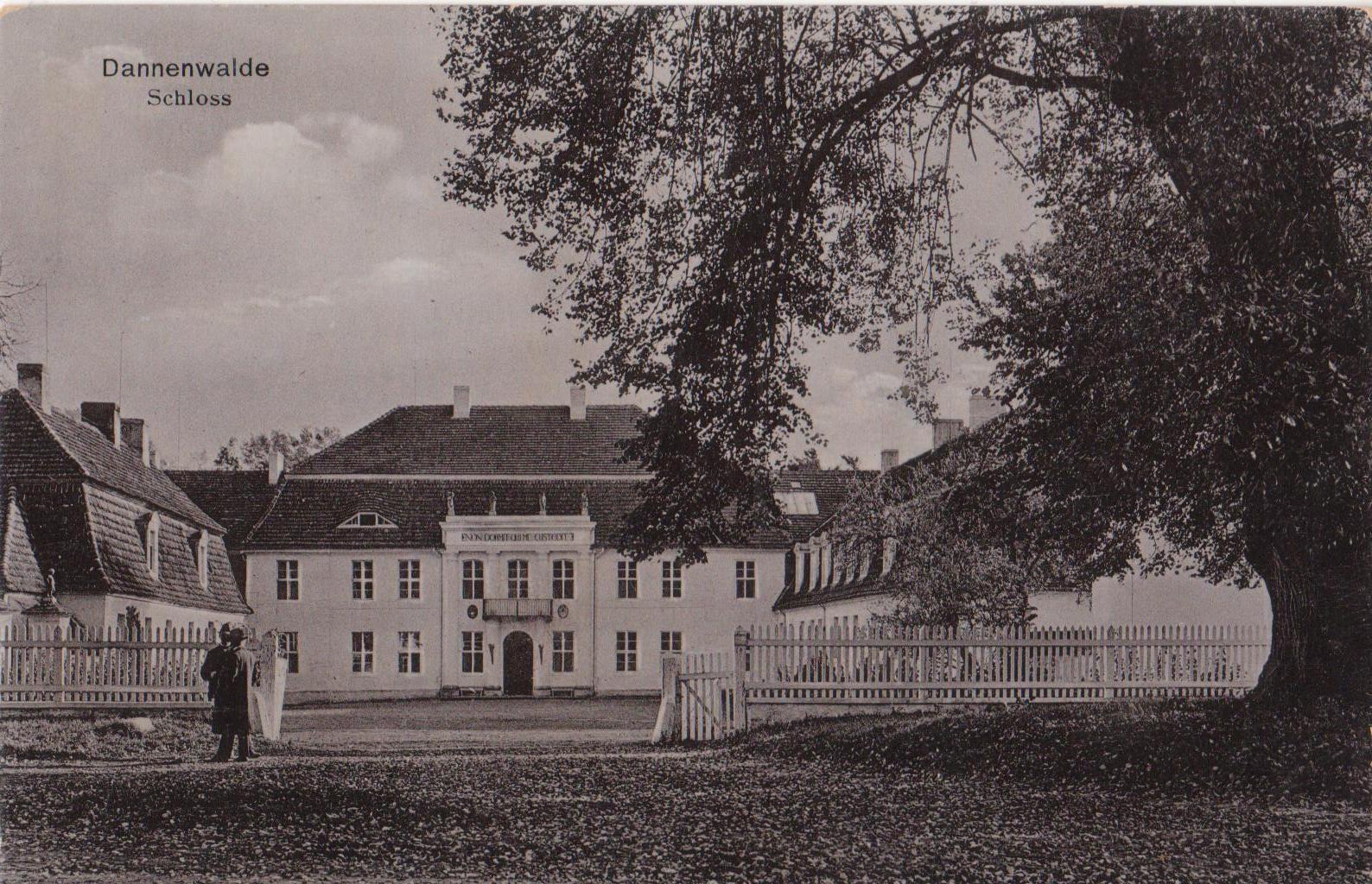 Das Herrenhaus von Dannenwalde, 1940 zum Kreis Stargard gehörend, war ebenfalls Filmkulisse.