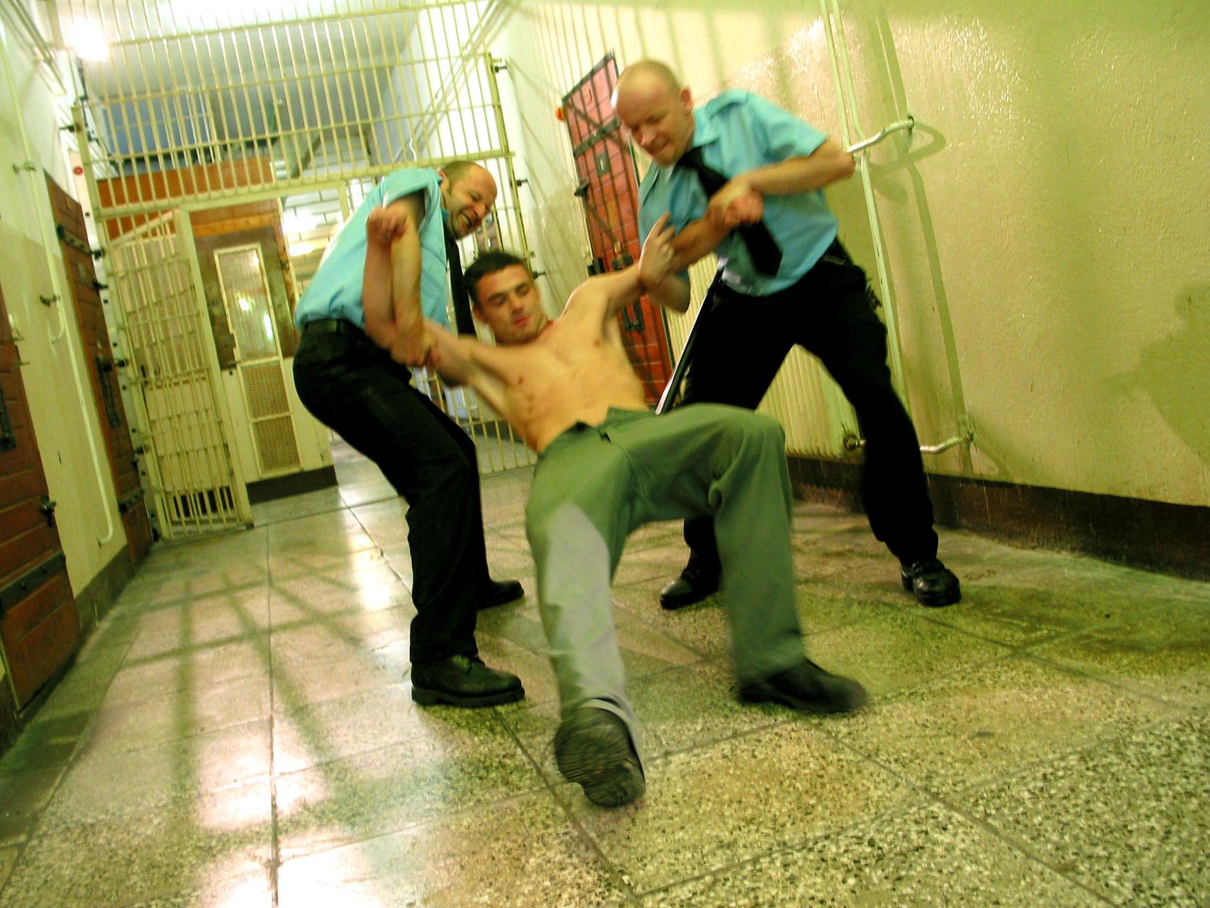 Drehort war das Gefangenenhaus der ehemaliegen JVA Alt Strelitz. Foto: Caszzo Film