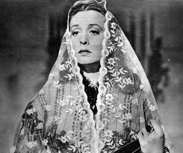 Zahrah Leander als Antonia Corvelli
