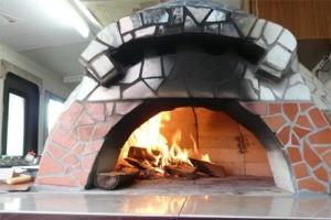 窯完成 ピザ焼きスタート