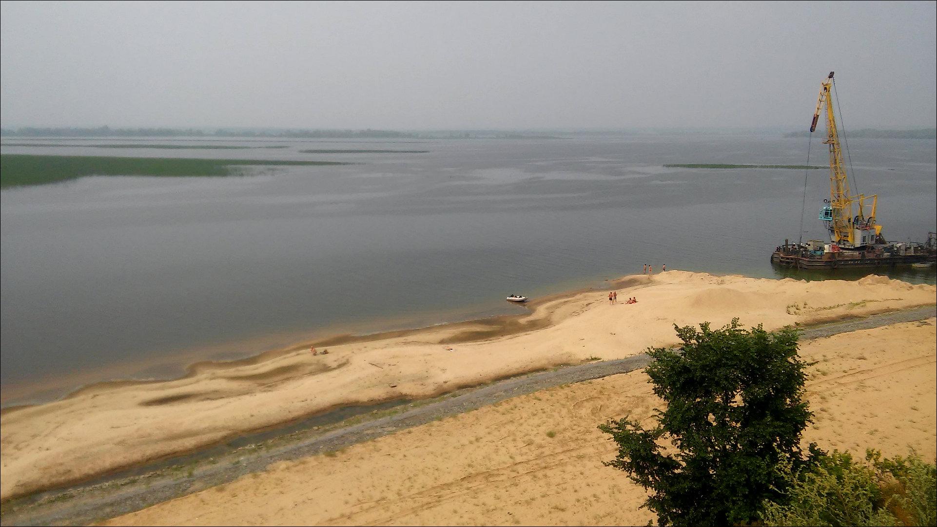 4. Вид на реку Свиягу. В 3-ех километрах вдали -- уже Волга.