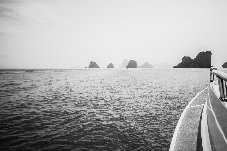 Впереди еще недолгая остановка для купания на острове с белым песком.
