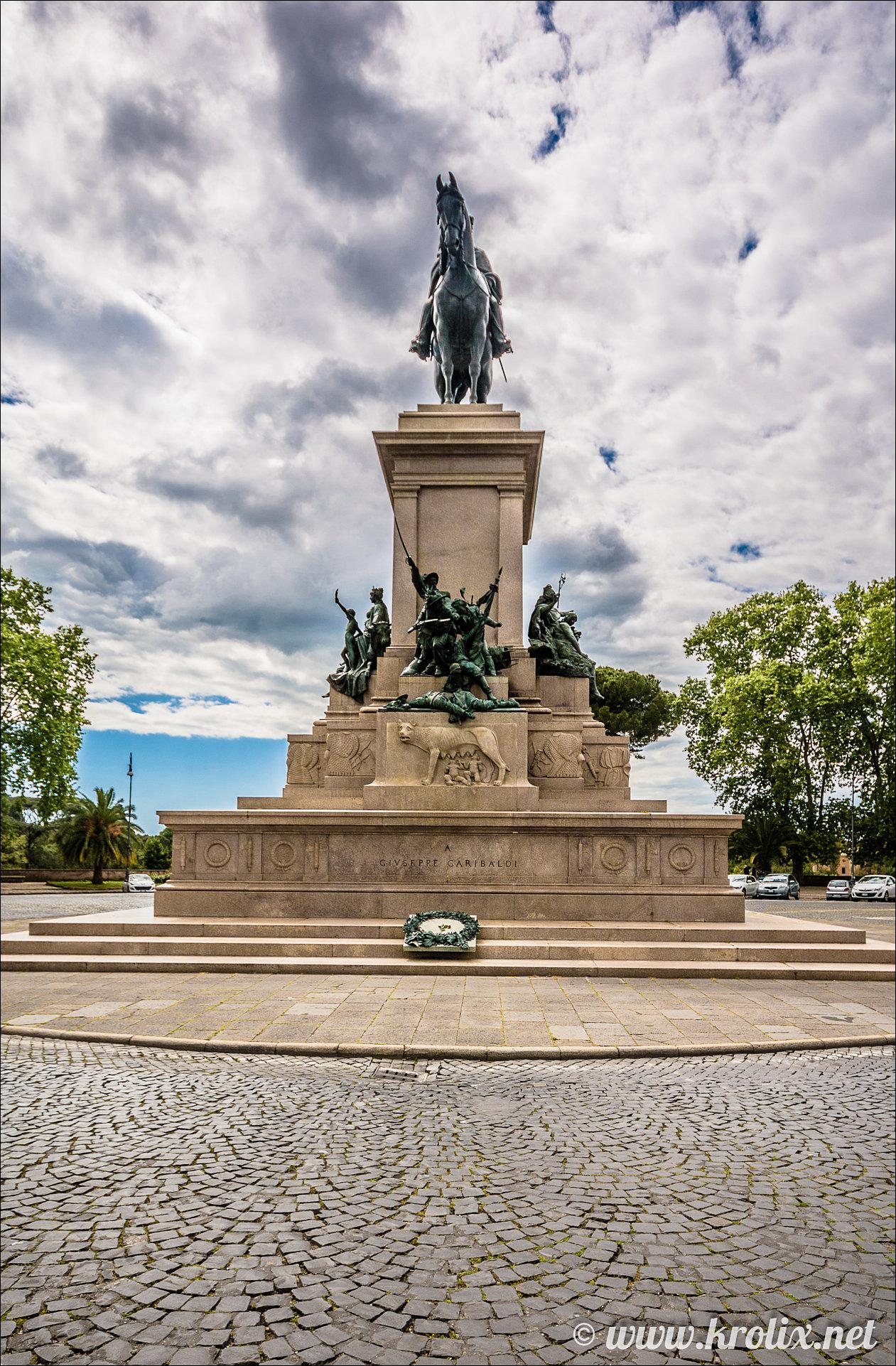 3. Памятник Джузеппе Гарибальди в Риме
