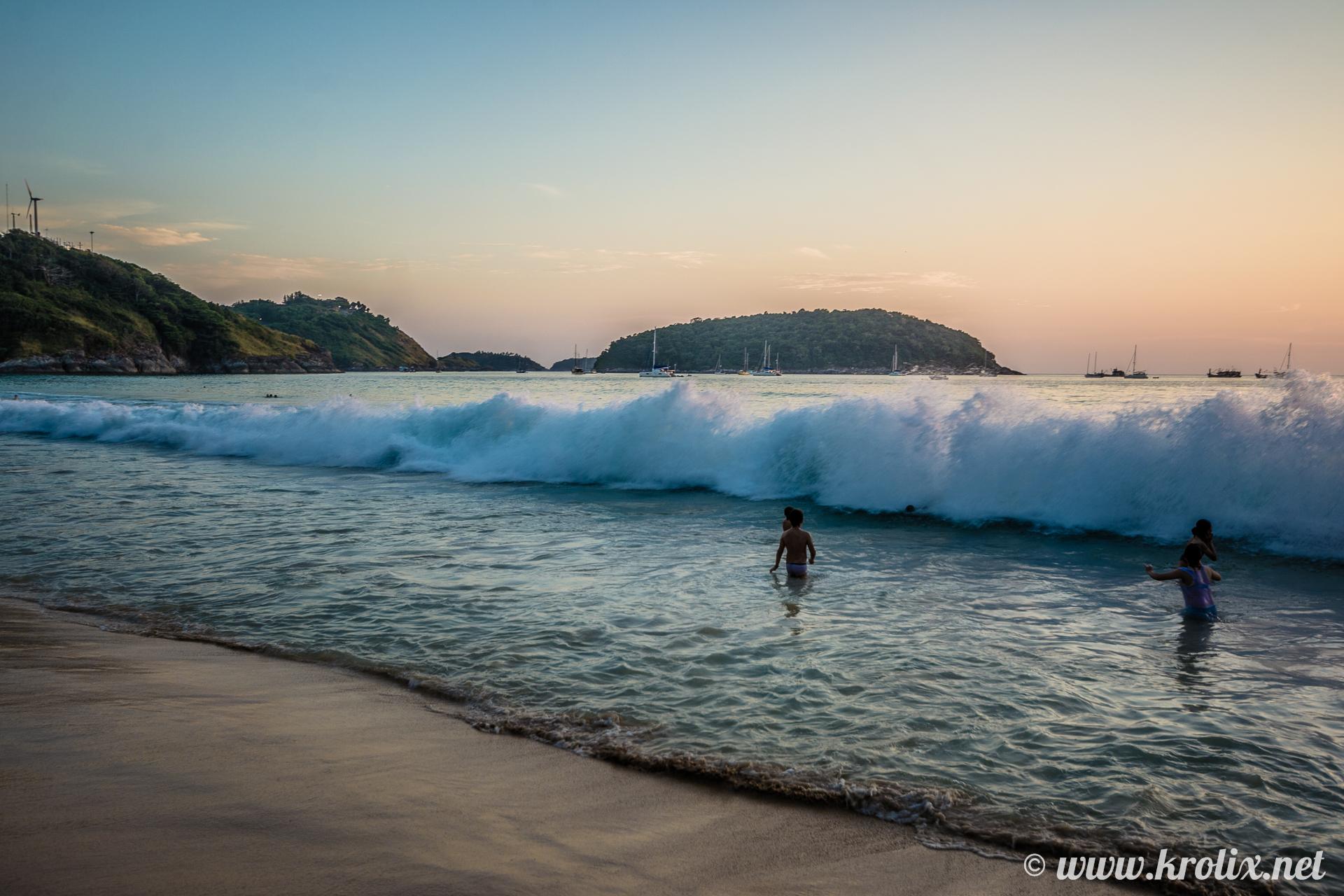 Да-да, волны на Найхарне бывают до двух метров! Но эта слабенькая ;)