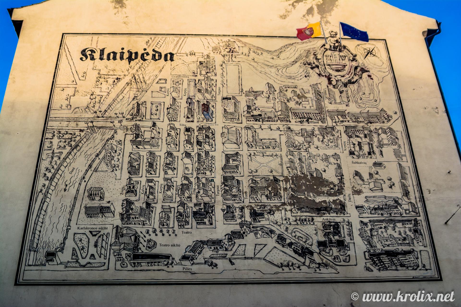 1. Литовцы настолько патриотичны, что рисуют карты города прямо на домах.