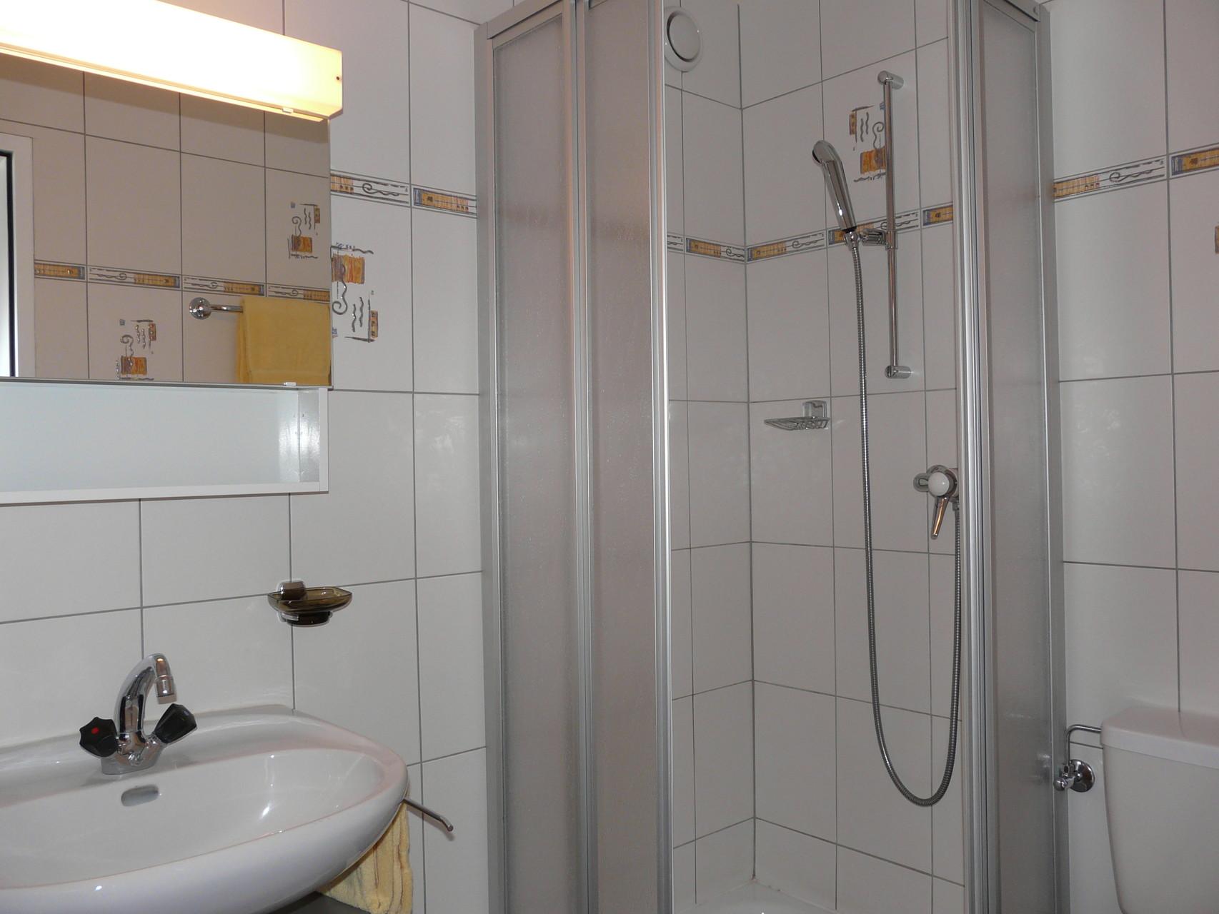 Dusche Erdgeschoss