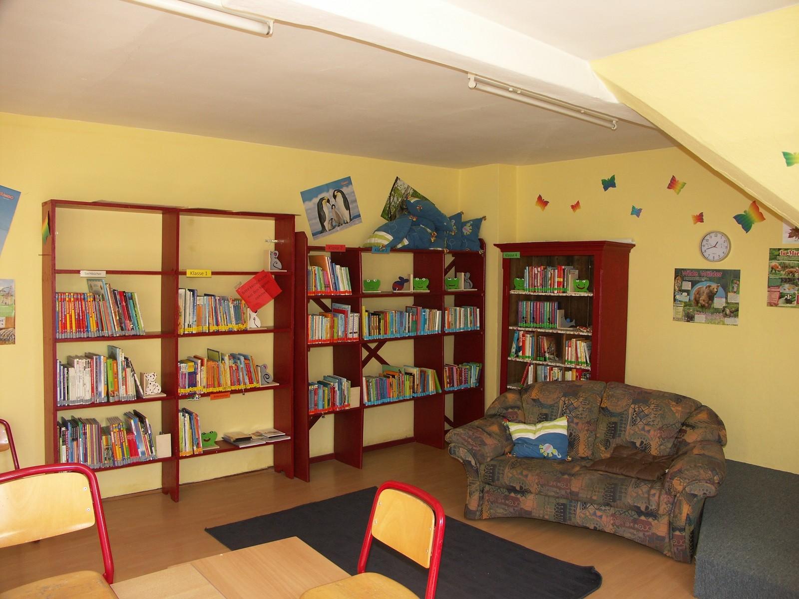 Unsere kleine aber gut sortierte Schülerbücherei