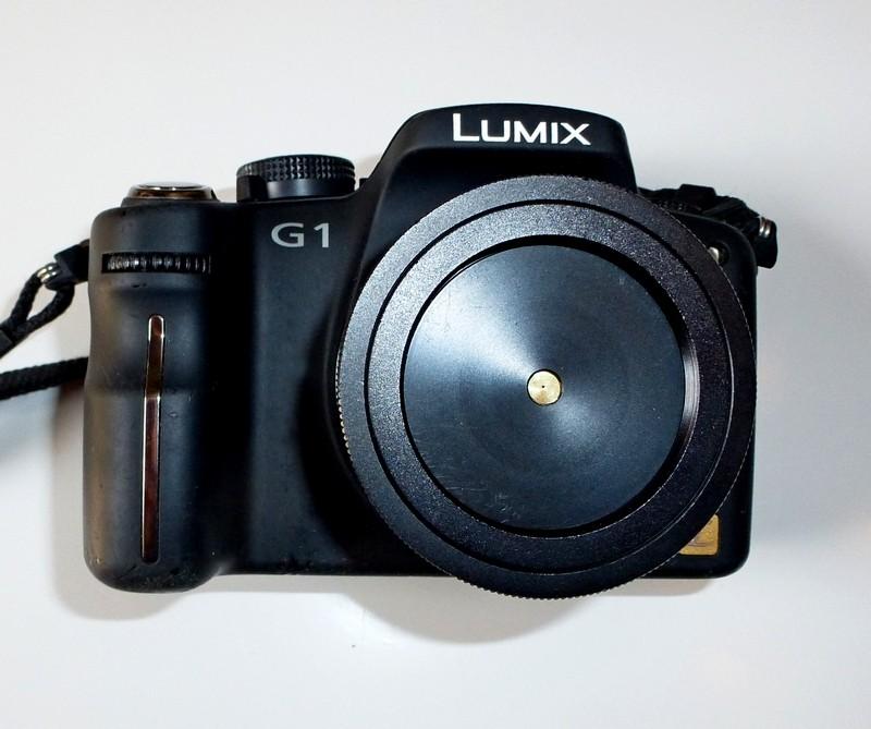 La mia LUMIX G1 adattata alla Fotografia Stenopeica con obiettivo a foro stenopeico  professionale con diametro foro calibrato e realizzato su lamina di ottone di spess. 0,020 +/- 0,002 mm Focale equiparata a 45 mm, apertura f:180, diametro foro 0,25 mm