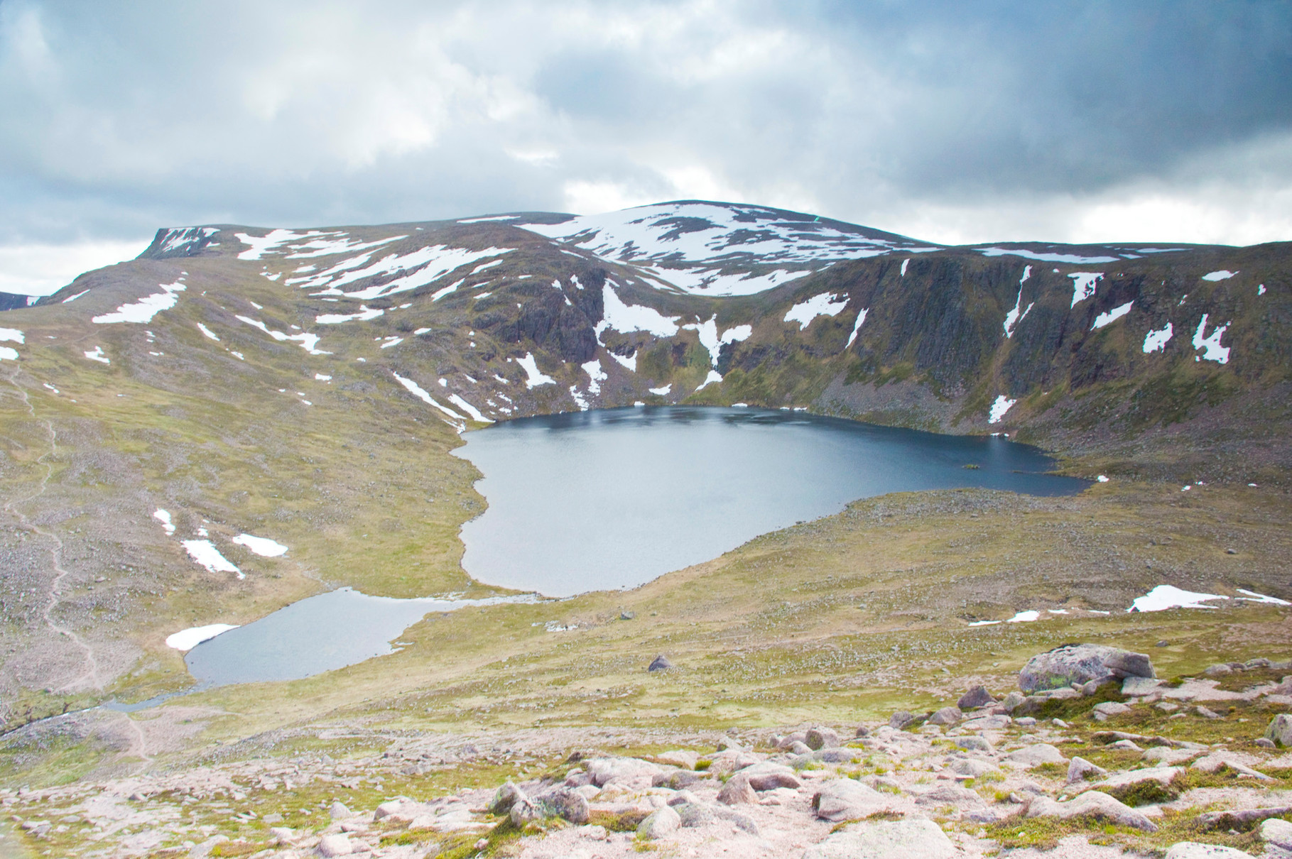 Ben Macdui, Loch Etachan