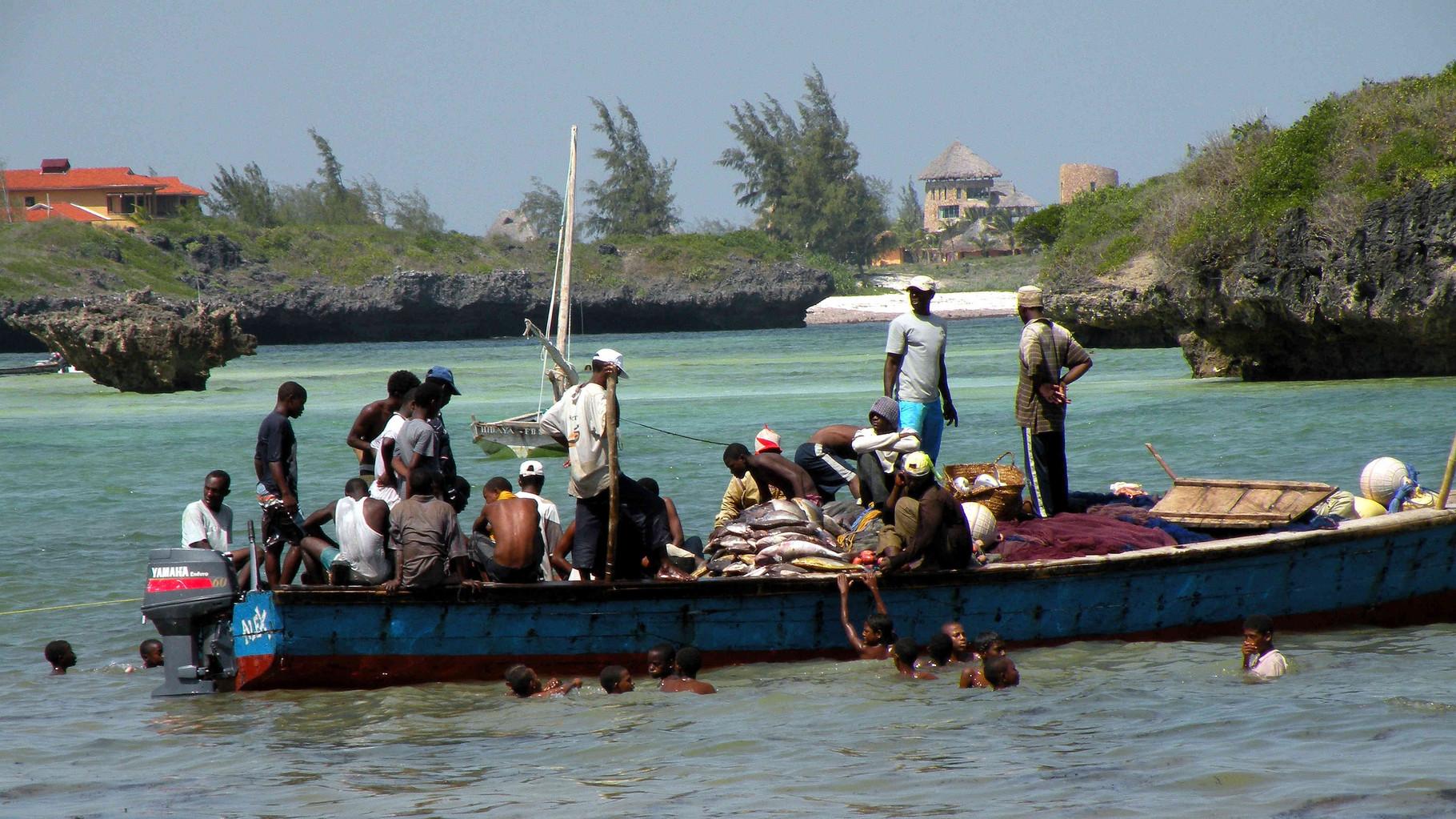 Watamu, Kenya-Arrivo del pescato