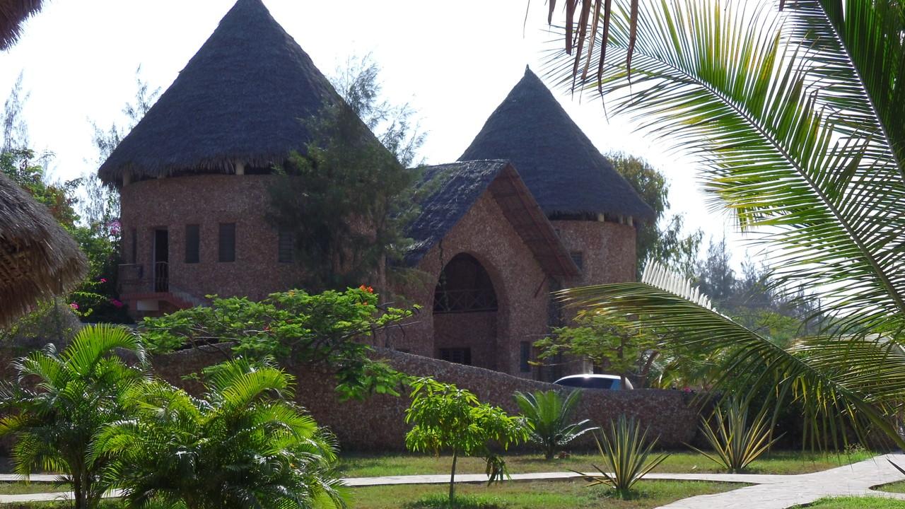 Ingresso Tembo Court