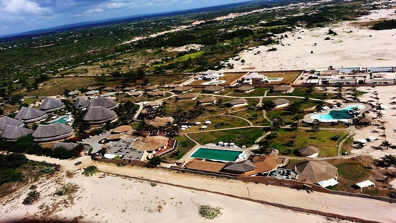 Aerial View Tembo Court Ocean Beach Resort. Vista Aerea Tembo Court Ocean Beach Resort