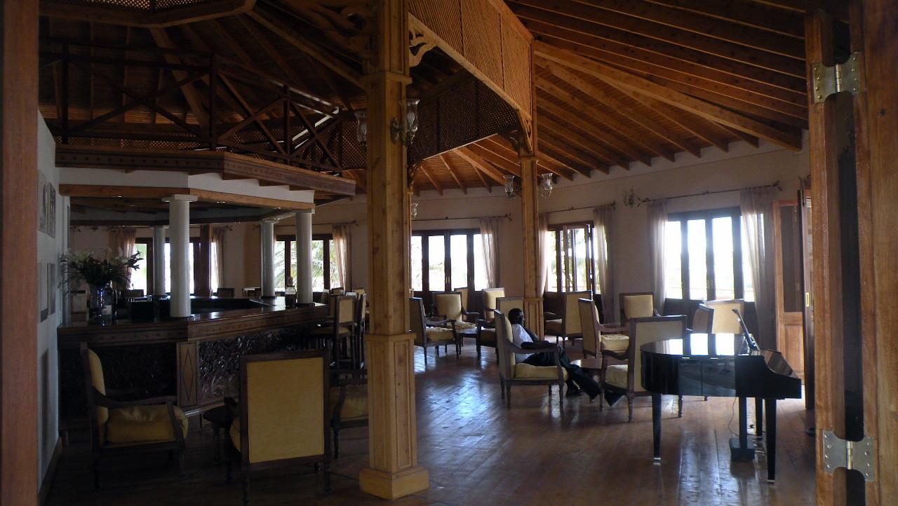Bar Tembo Court Ocean Beach Resort