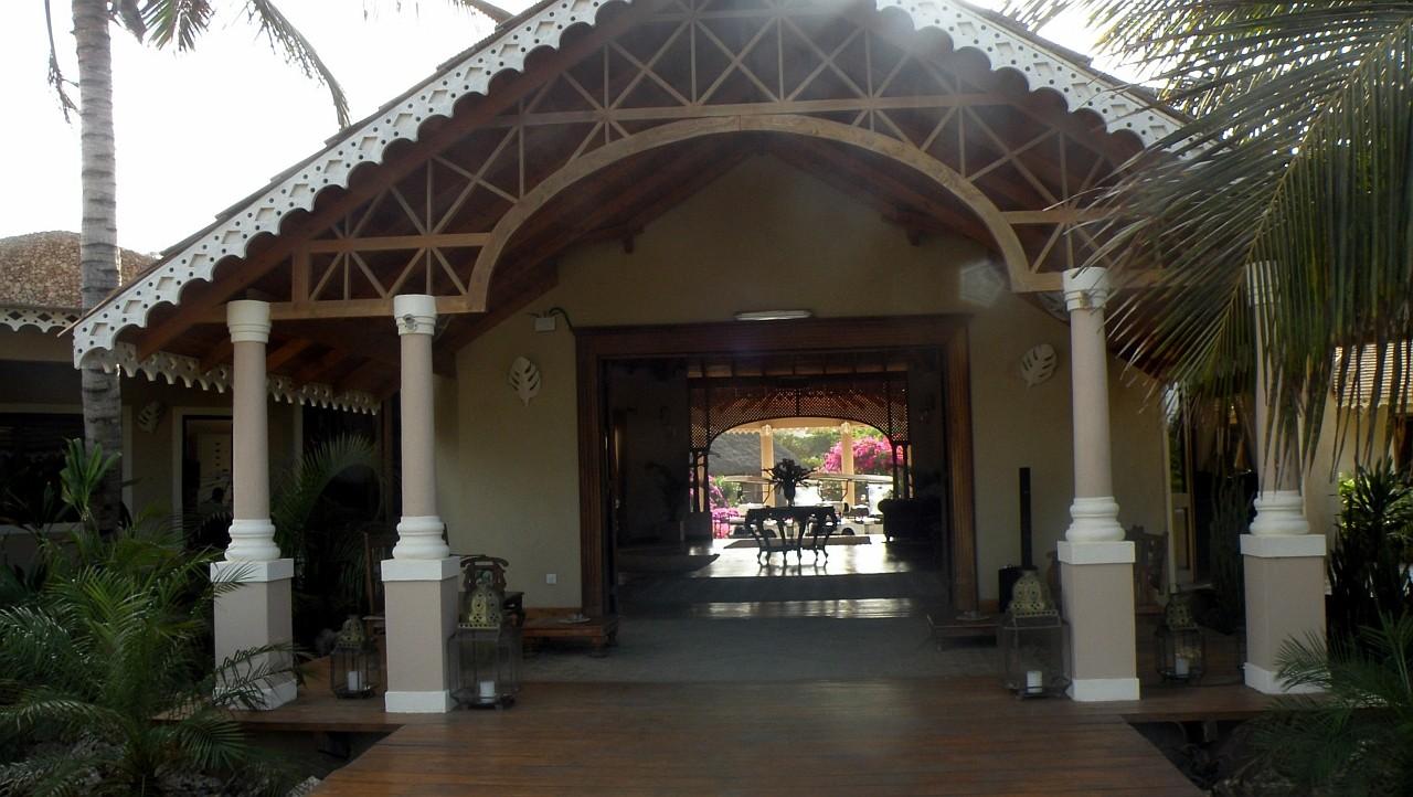 Hall Tembo Court Ocean Beach Resort