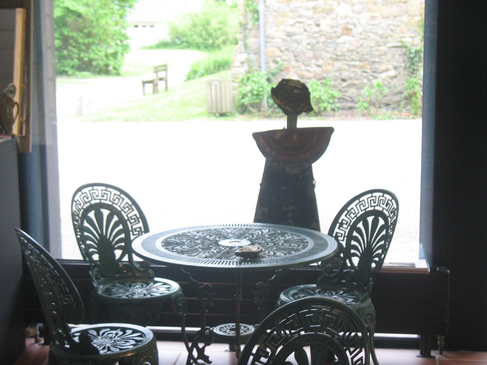 Terrasse - Olive réserve une table - Musée de la Briqueterie
