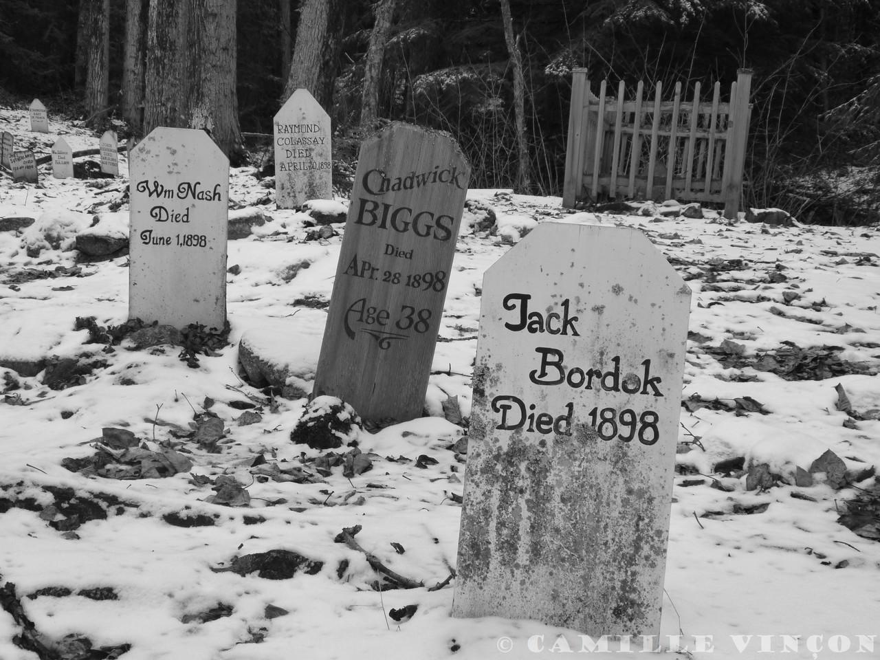 Ancien cimetière de l'époque de la ruée vers l'or dans les années 1900.