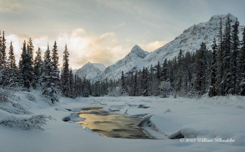 Entre rivières, forêts, montagnes et lacs, les paysages du Yukon permettent aux visiteurs de renouer avec la nature sauvage.