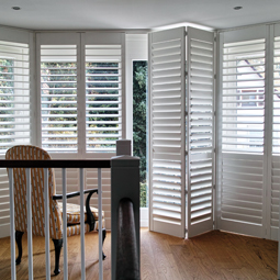 elegante innen fensterl den aus holz shutters hamburg. Black Bedroom Furniture Sets. Home Design Ideas