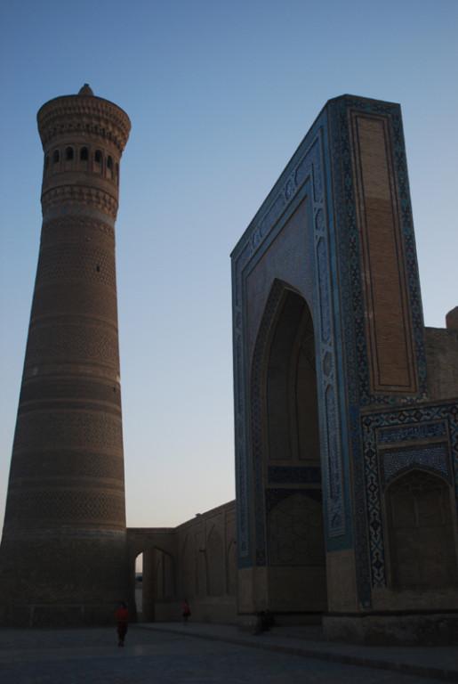 Boukhara, la mosquee et le minaret Kalon