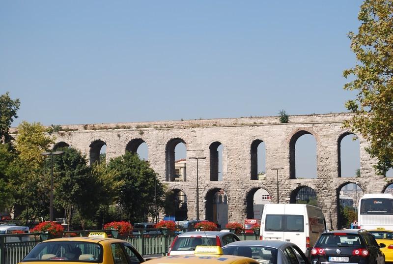 aqueduc de Valens