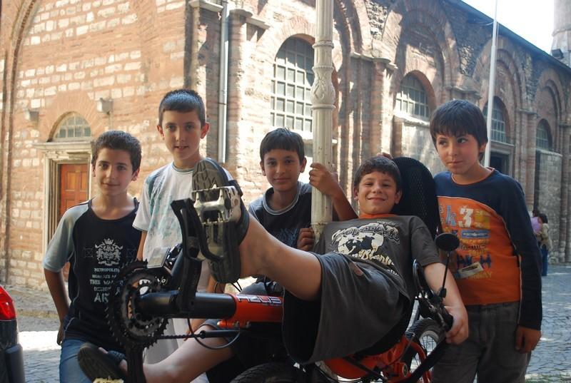 devant le musee Karıye