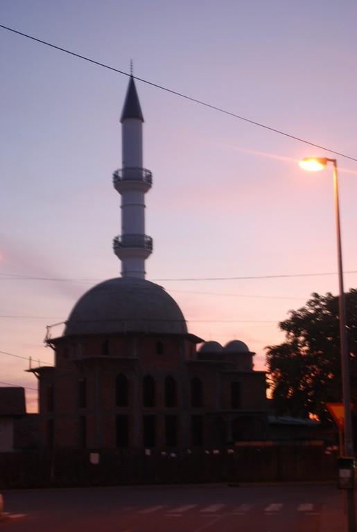 bijeljina, en Republika Srpska, une mosquée en reconstruction.