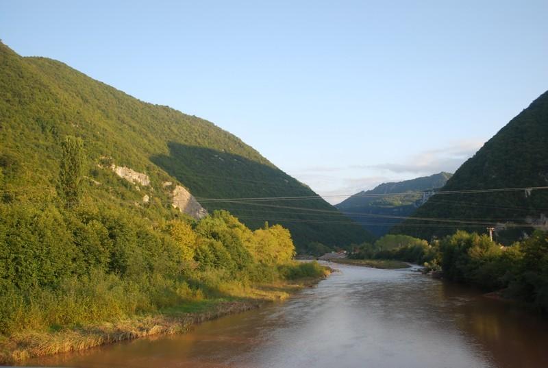 un de ces fleuves cotiers