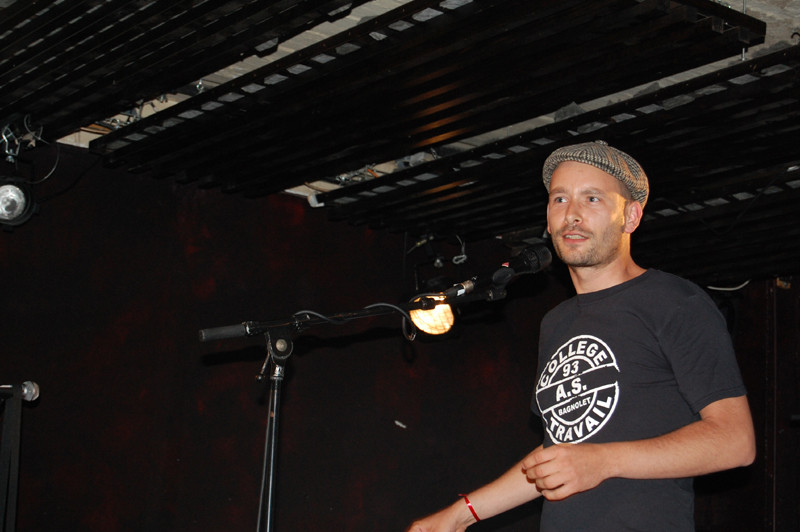 Xavier ouvre la soirée  avec un discours de remerciements