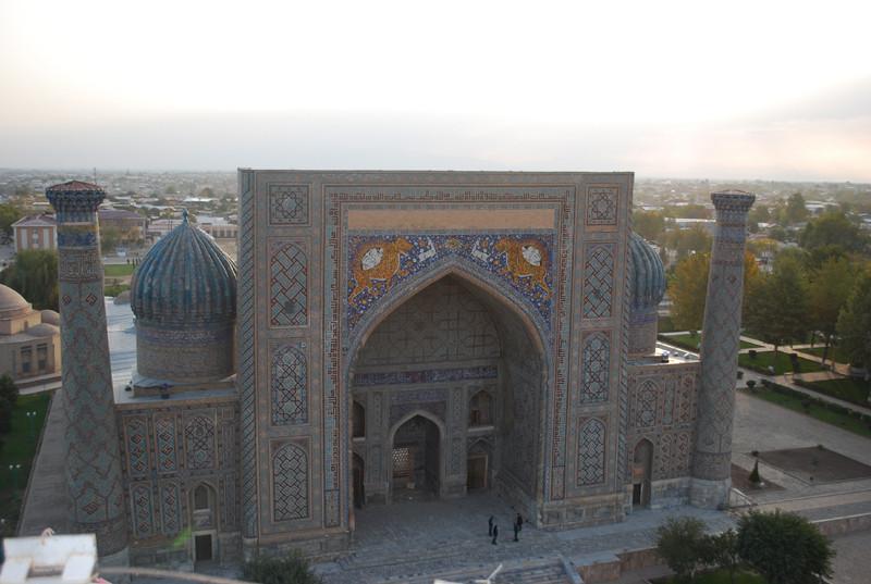 depuis le sommet du minaret, moyennant graissage de patte de policier de faction