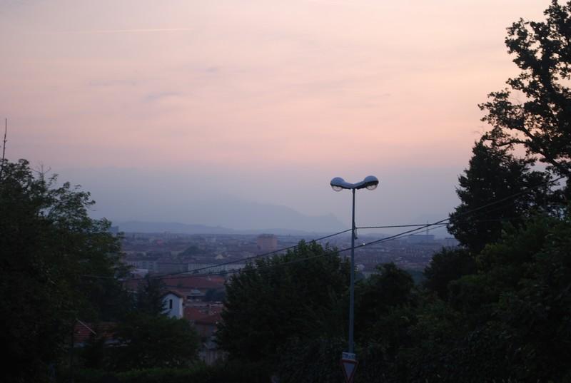 Turin, au fond, les Alpes
