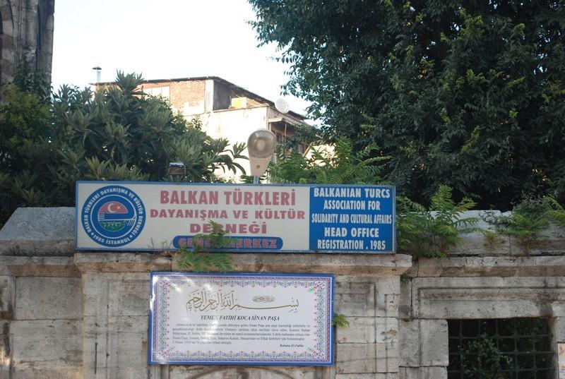 dıixıt Serkan, 2 mıllıons de Bosnıaques en Turquıe, sans parler des Albanaıs, des Pomaks et de quelques autres...