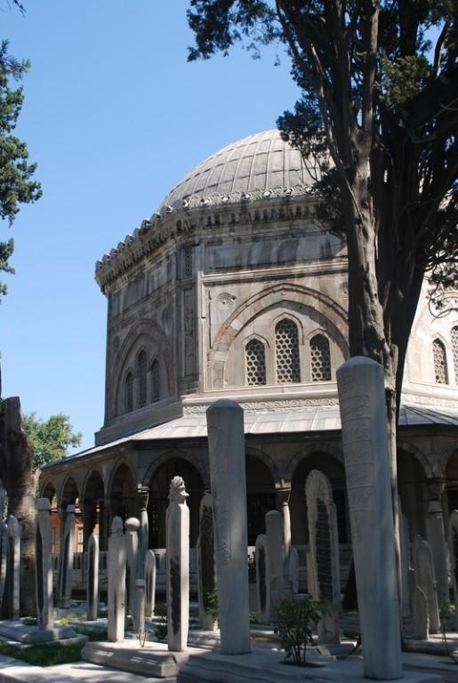 cımetıere dans l enceınte de Suleymanye