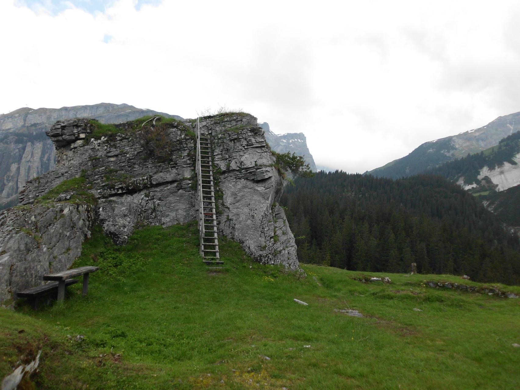 Burg Belemont GR 1420m ü.M.
