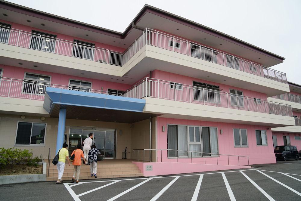 ひときわ明るい建物が2017年春にオープンしました。