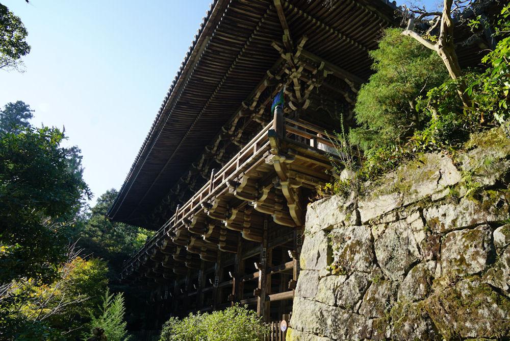 まるで京都清水寺を思わせるような円教寺の建物。