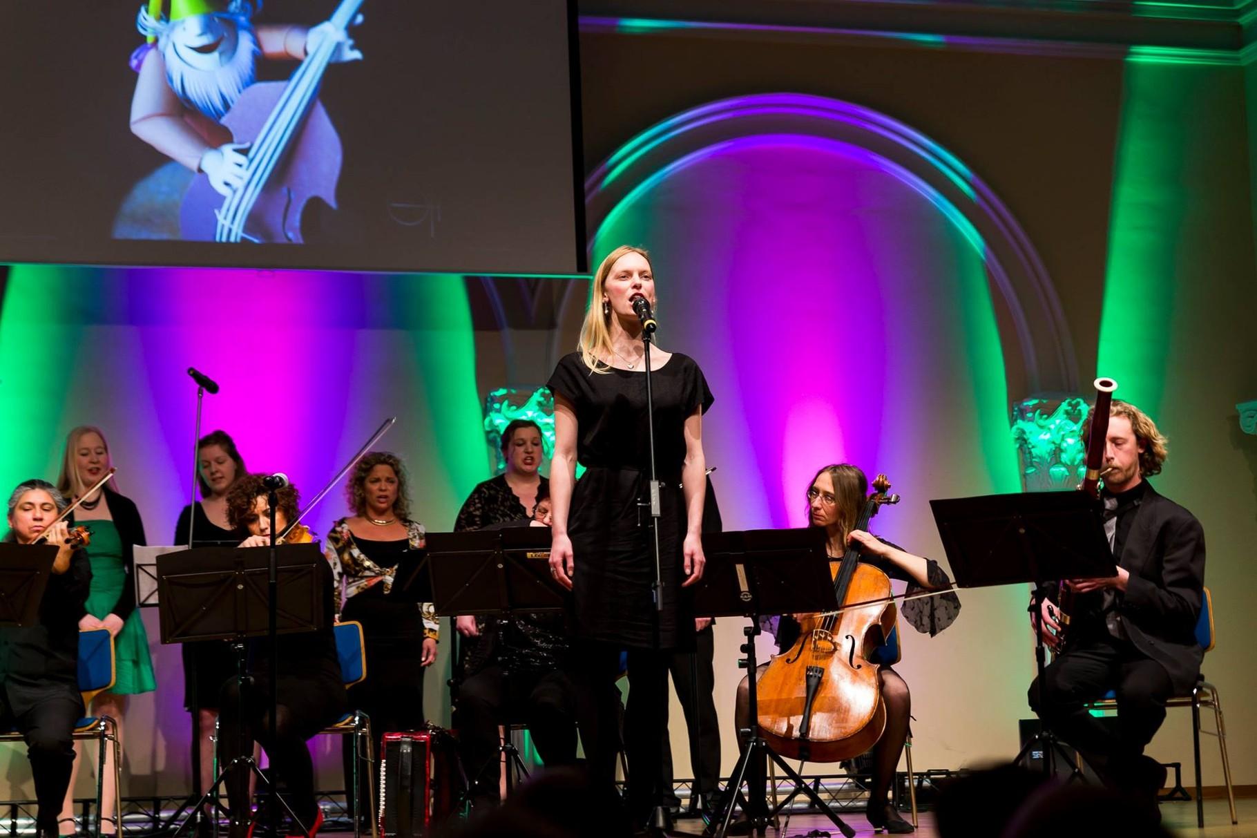 Kammerpop beim Willkommens-Event für Flüchtlinge mit Franziska Hyzy, Kolosseum zu Lübeck