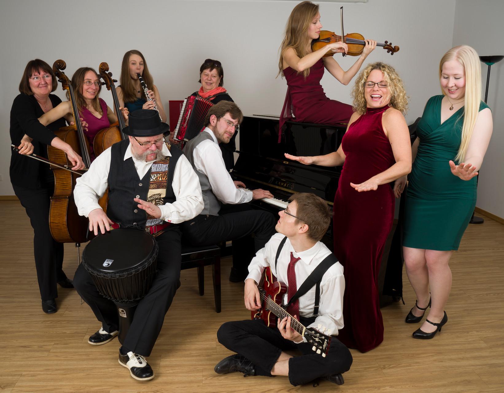 Portrait des Ensembles von Dierk Topp