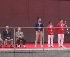 ロンドンオリンピック レスリング 金メダリストの米満達弘選手と小原日登美選手