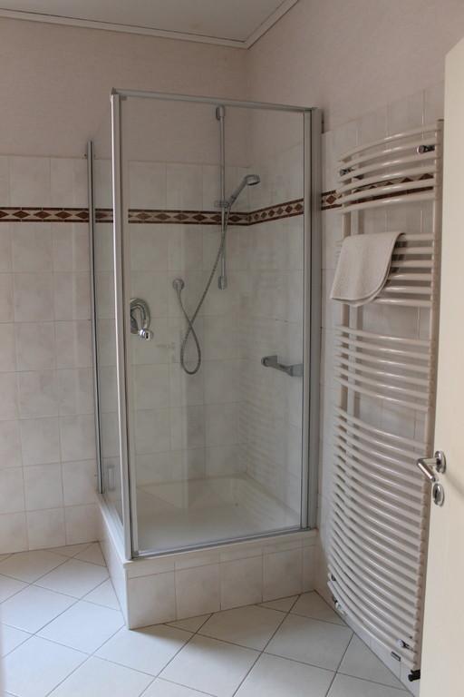 natürlich mit warmen Wasser zum Duschen ;-)