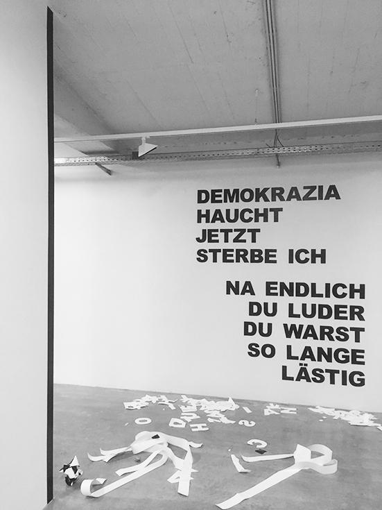 Artothek Krems, Installation mit Folienschrift, Oktober 2018 - Februar 2019