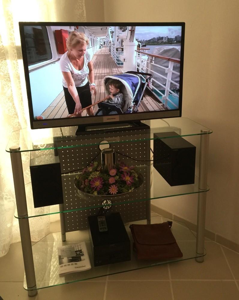 Neuer Grundig-Fernseher mit eingebautem SAT Receiver, Fewo Valencia