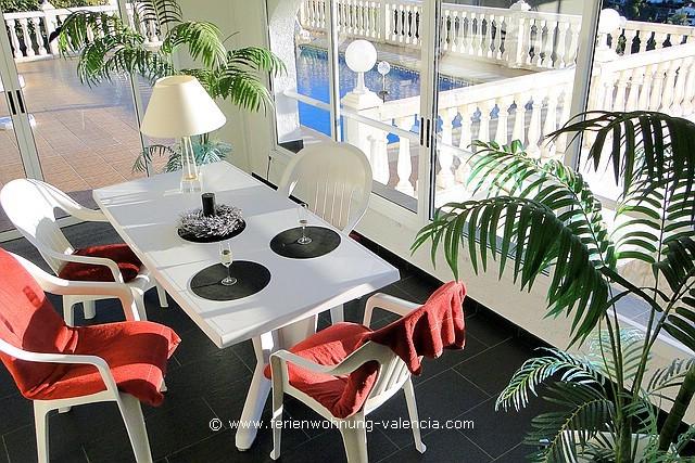 Ferienwohnung Valencia, Wintergarten und Pool
