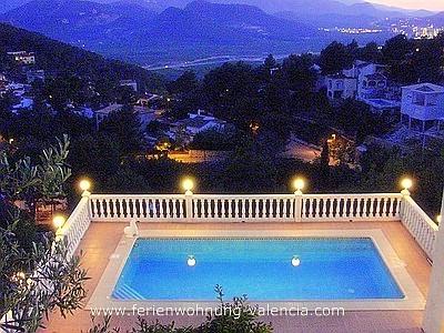 Blick von der Villa Gandia Hills über Monterrey