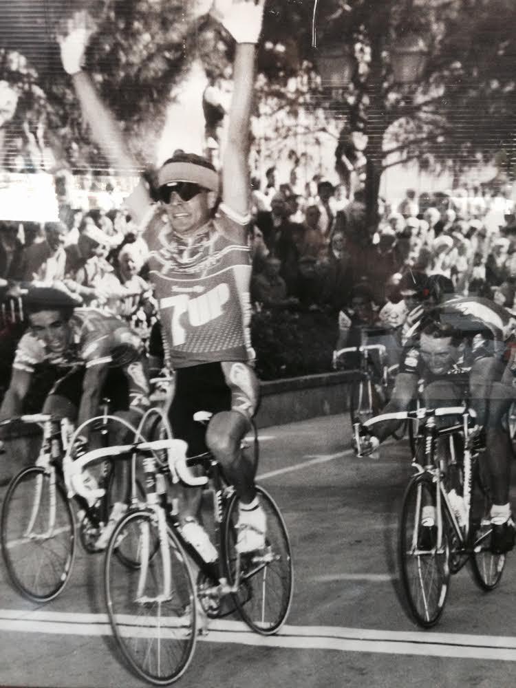 L'arrivo vittorioso di Paolo Cimini davanti a Allocchio e Di Basco nella fotografia che lui stesso ci ha voluto regalare a noi di TrofeoLaiguegliastory, grazie Paolo !!!