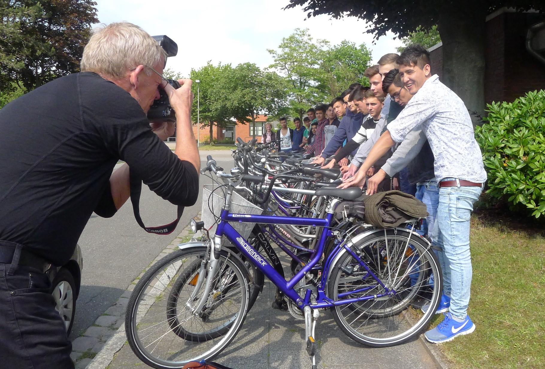Ein Foto für die Presse (Foto: Dorit Hartz)