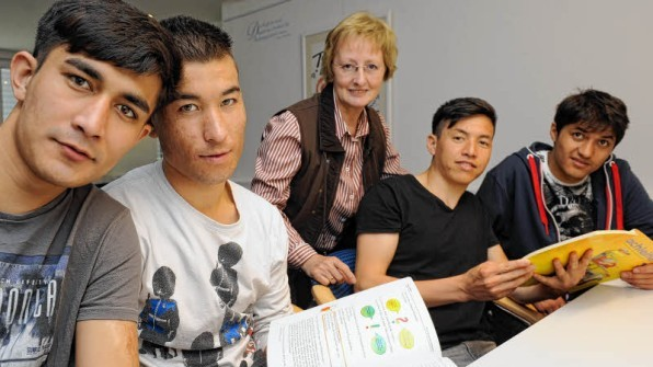 Hilfe beim Deutschlernen (Foto: Rolf Ziehm)
