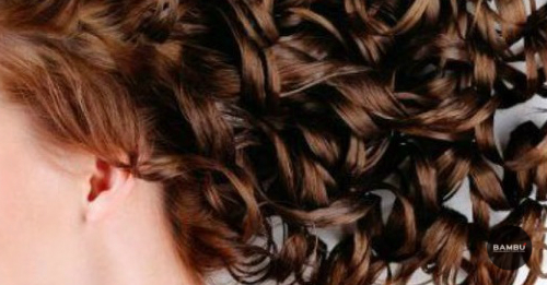Cómo peinar los cabellos rizados