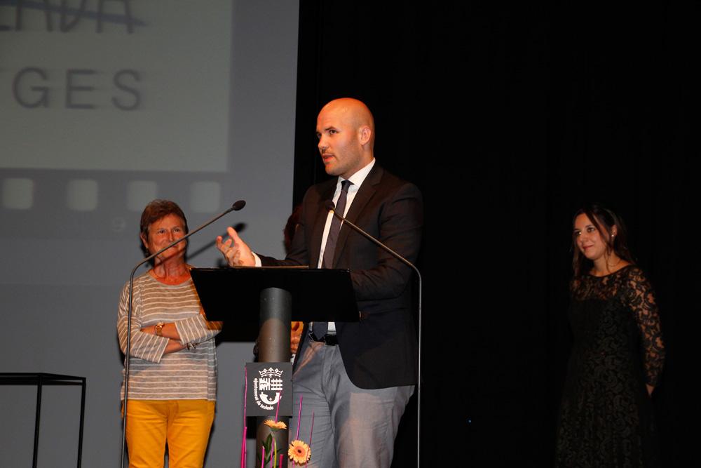 L'alcalde, Carlos Linares, donant les gràcies als premiats.