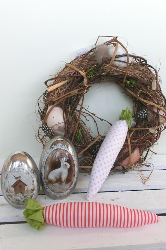 Stoffmöhrchen in verschiedenen Farben und Mustern - die halten bis zum nächsten Osterfest