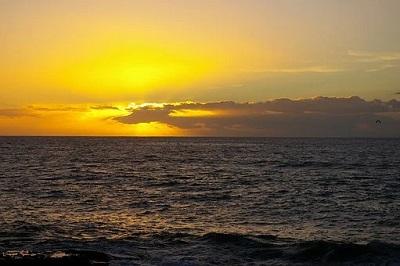 Sonnenuntergang am Strand im Süden Teneriffas